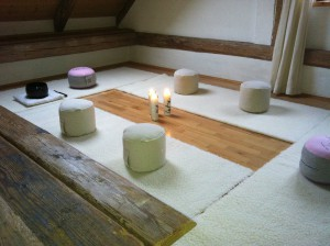 Meditationskissen 6 mit Bank